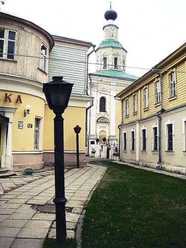 Владимир: Георгиевская улица, первая в городе аптека и церковь Георгия Победоносца.