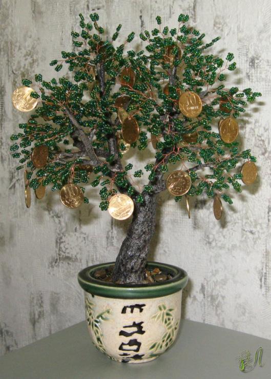 Денежное дерево из бисера с монетами своими