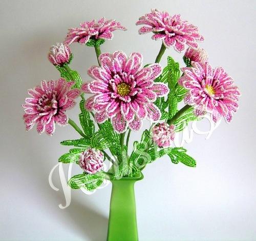 Подборка красивых хризантем из бисера.  Учимся плести шедевры!