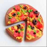 Как сделать пиццу для кукол из полимерной глины8